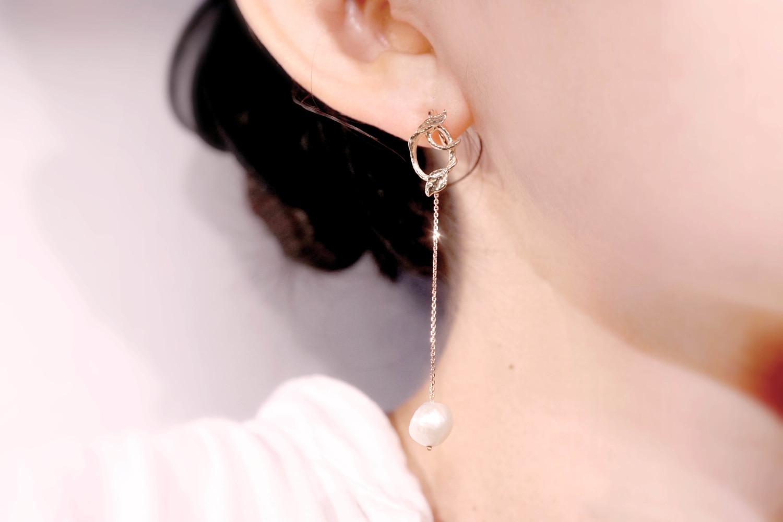 Chia Jewelry輕奢飾品品牌|10k金巴洛克珍珠首飾|珍珠垂吊式耳環